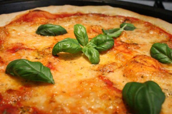 Margarita pizza 1